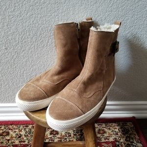 'Hayes' Genuine Shearling Lined Boot
